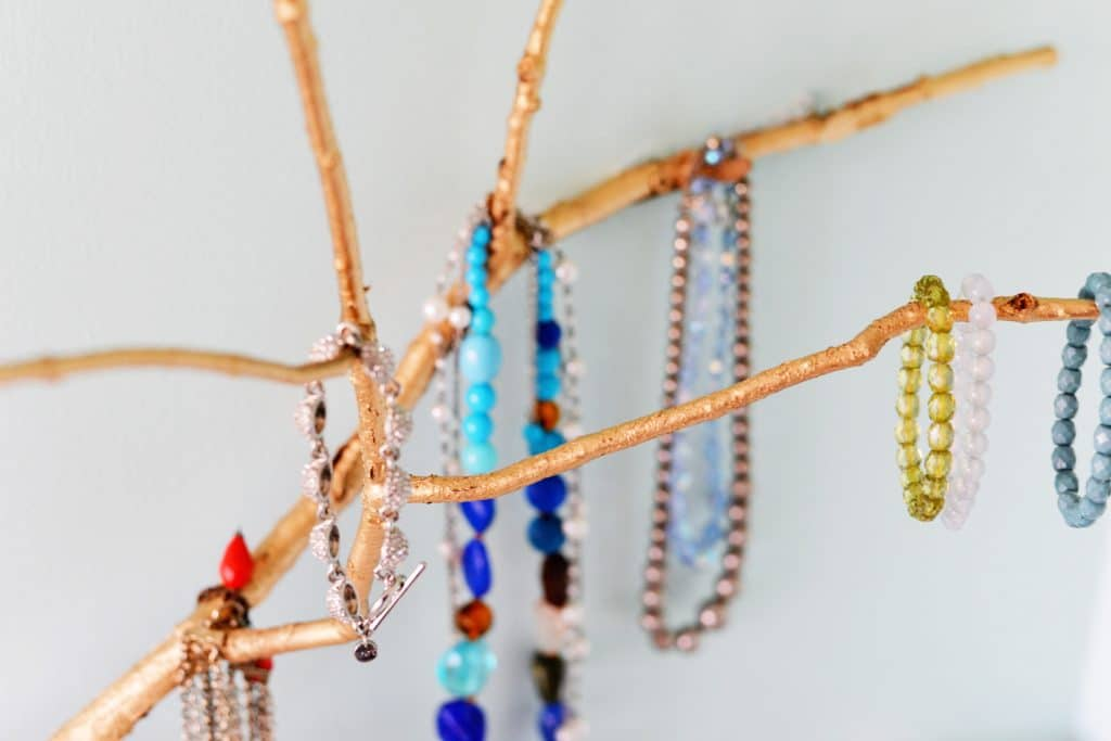 DIY-branch-jewelry-hook1