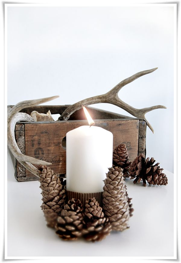 Pinecone-candle