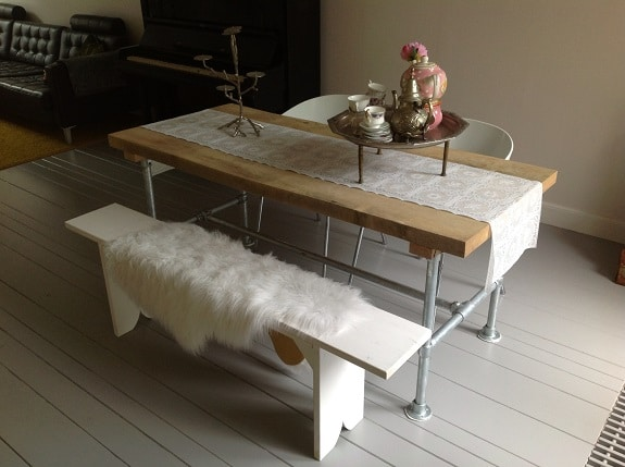 Steigerhoutentafel maken interieur insider Steigerhouten tafel met steigerbuizen zelf maken