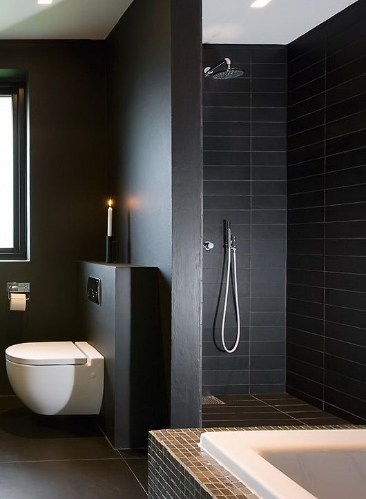 Zwarte badkamer interieur insider for Small dark bathroom ideas