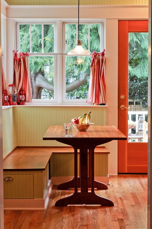 breakfast-nook-window-seating
