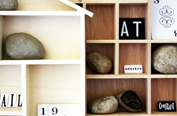 decorate-with-rocks