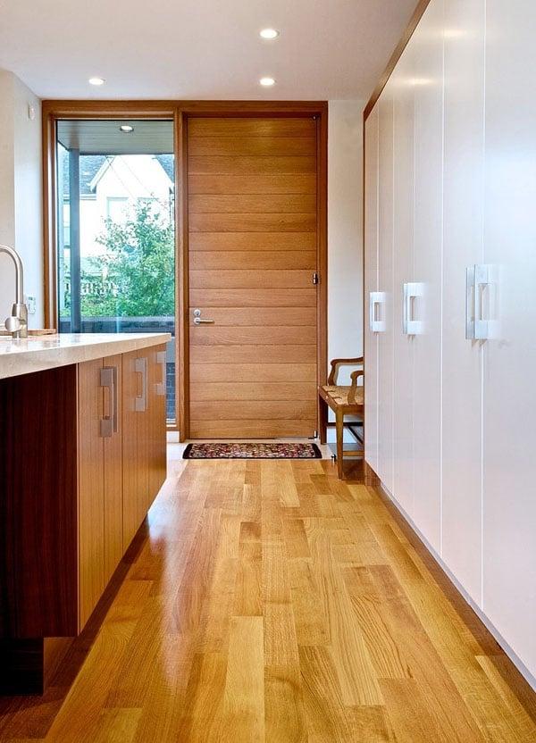 floor-to-ceiling-door
