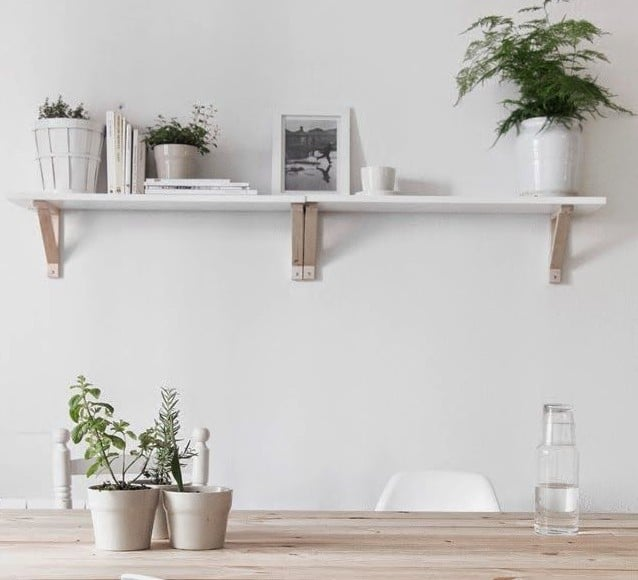 Paarse accessoires woonkamer interieur insider for Licht interieur plaza