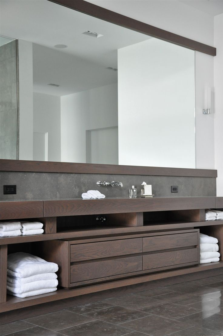 Moderne badkamers voorbeelden interieur insider - Contemporary bathroom furniture cabinets design idea ...