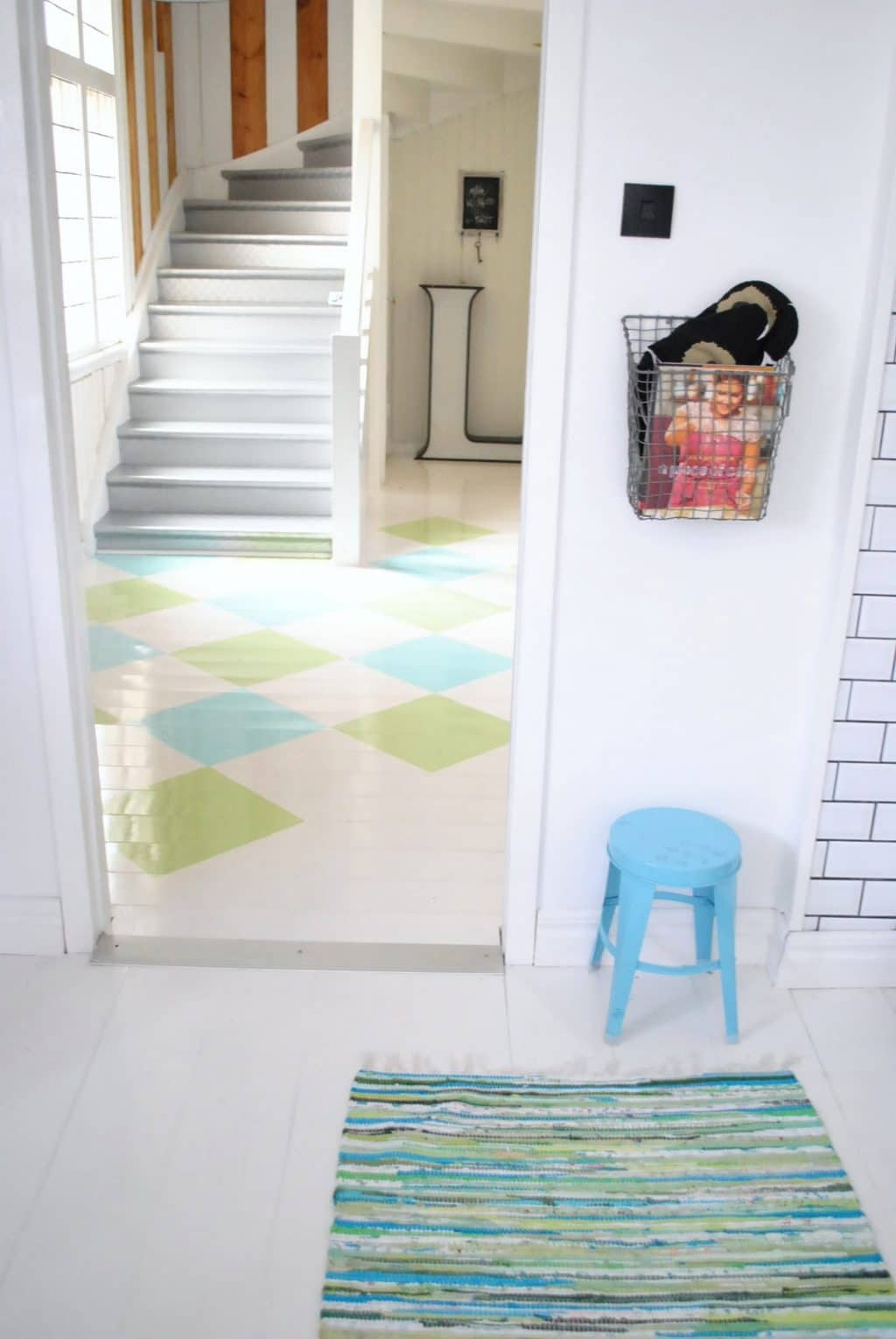 painted-wood-floor-diff-colors