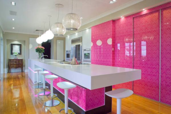 Kleuren voor de keuken interieur insider - Roze keuken fuchsia ...