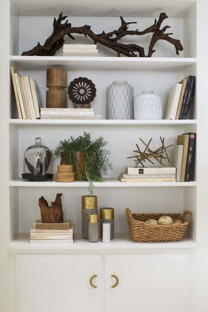 Decoratie planken interieur insider for Ways to decorate a bookshelf