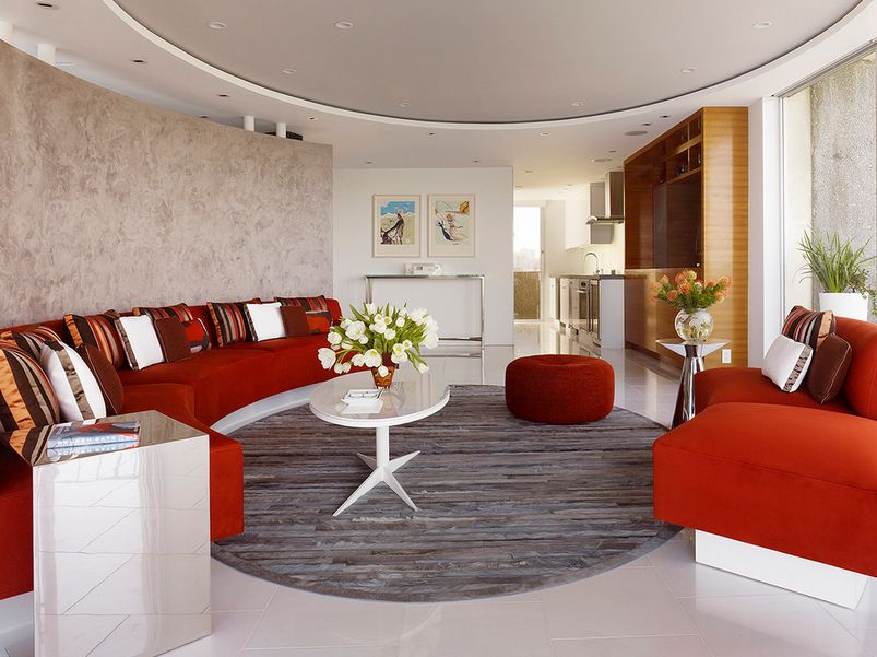 round-ceiling-and-walls-bold-couch-design