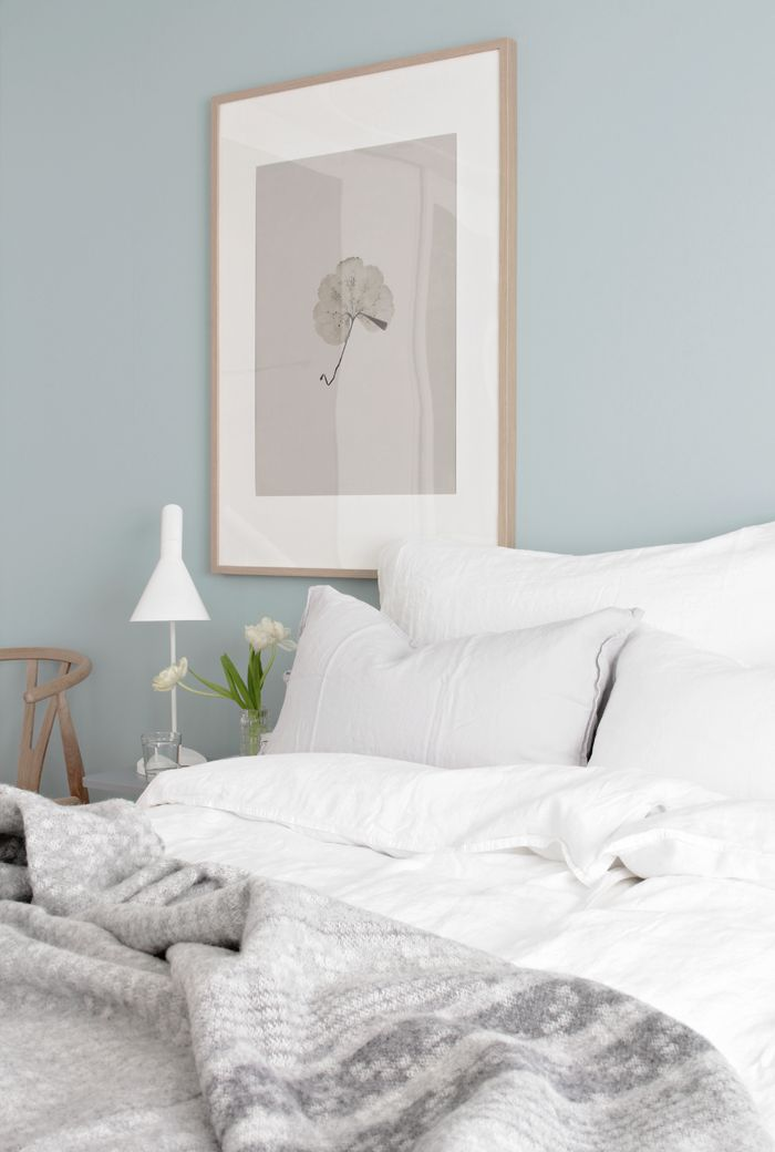Scandinavische slaapkamer Paint colors for calming effect