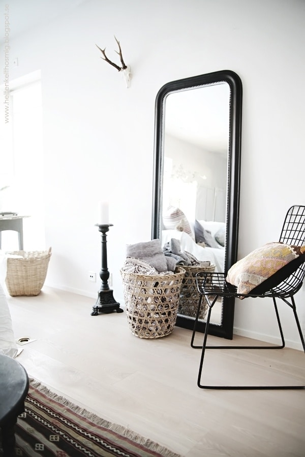 Grote spiegels inspiratie tips 2018 for Grand miroir noir