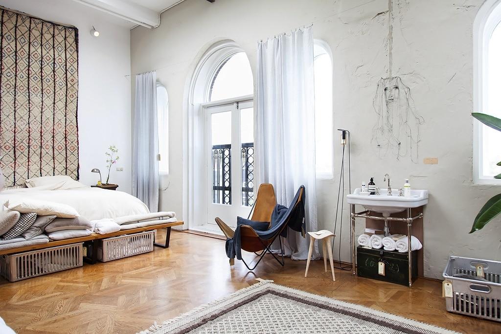 the-loft-bedroom