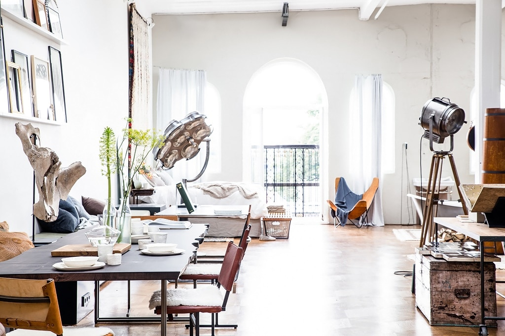 the-loft-masculine-design-arched-windows