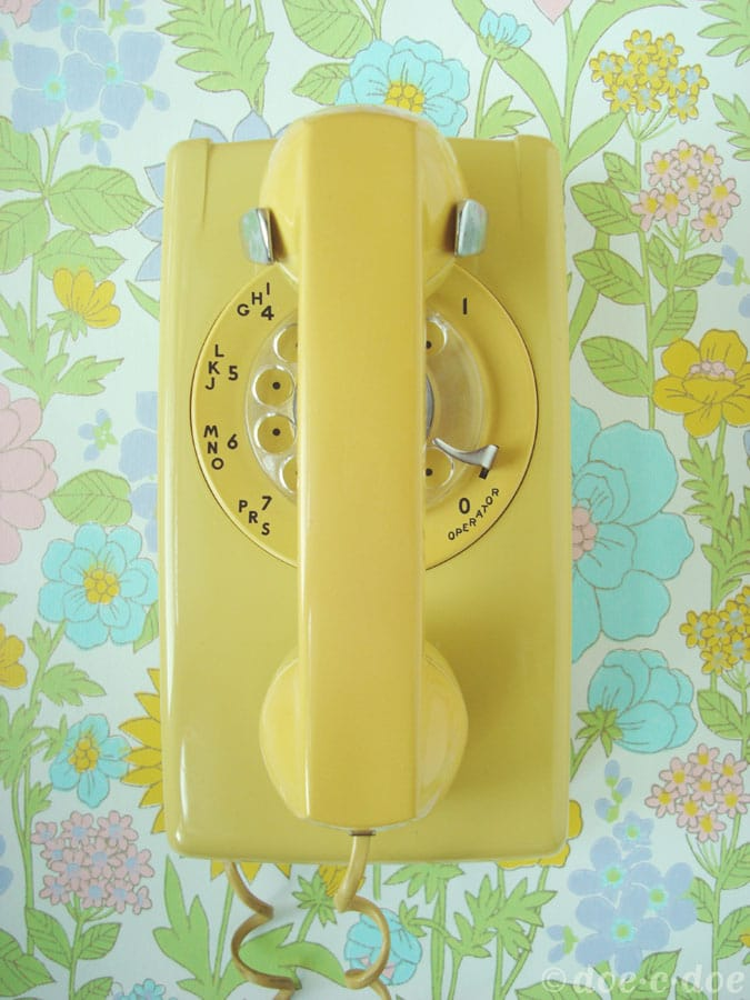 thrifted-retro-phone
