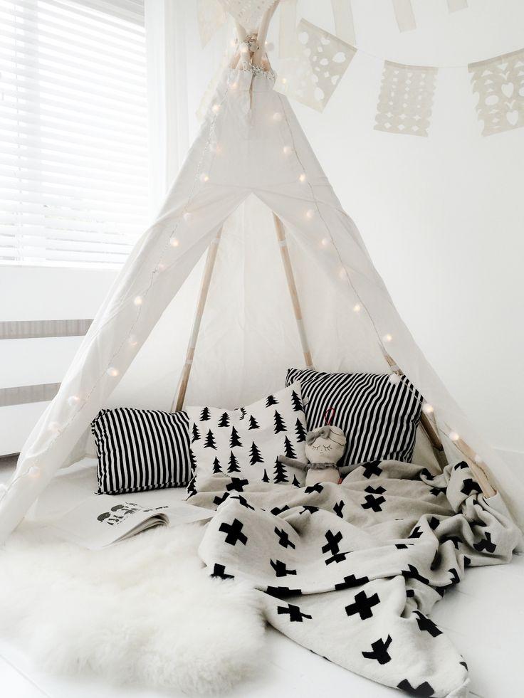 Tipi tent kinderkamer interieur insider - Tente de lit garcon ...