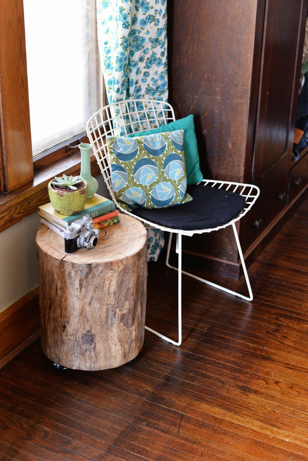 Boomstam bijzettafel maken interieur insider for Diy wood stump table