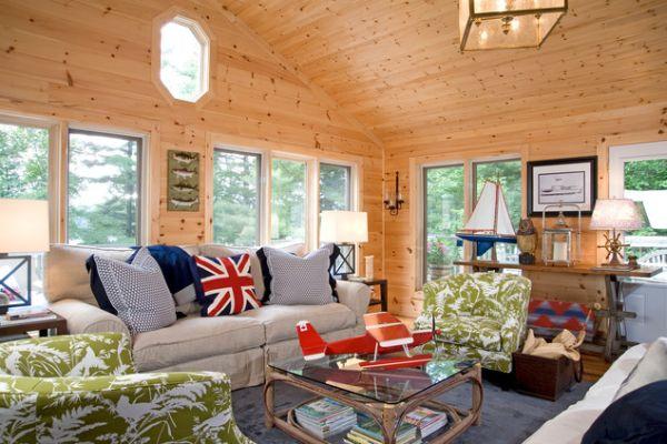 wood-cabin-uk-pillow