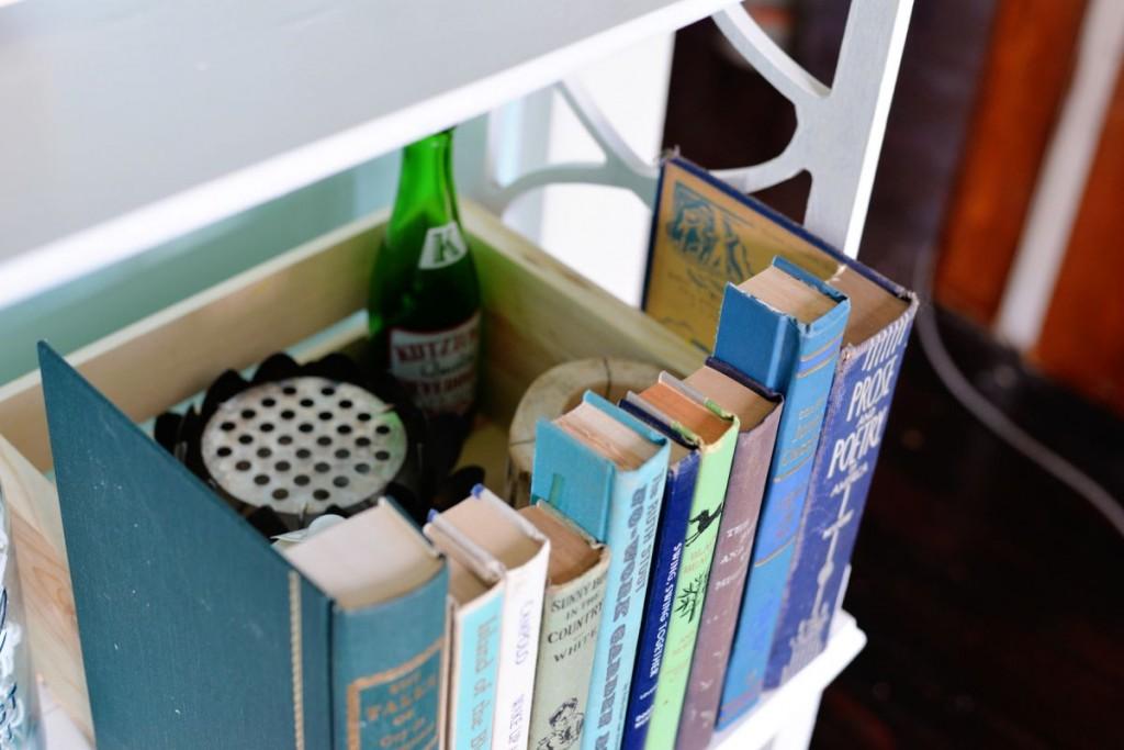 DIY-book-hiding-spot