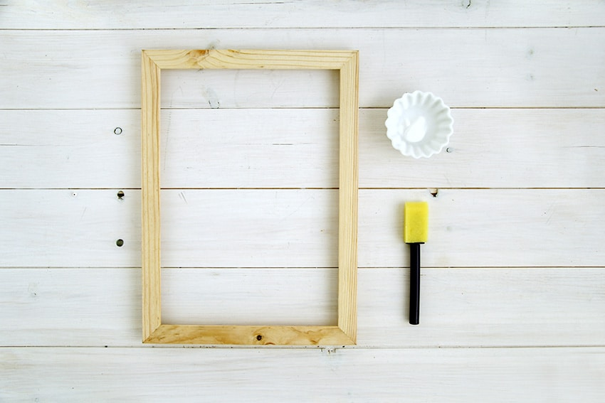 White-washed-picture-frames-materials