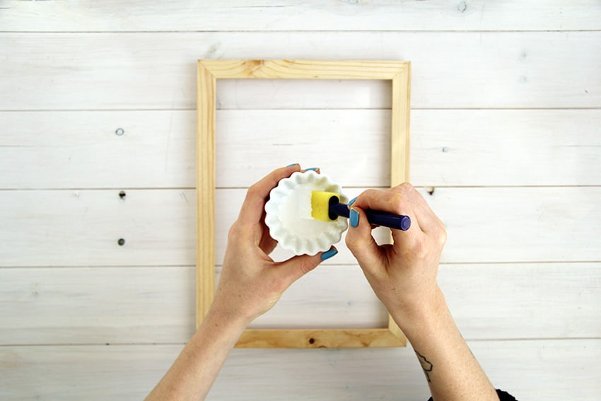 White-washed-picture-frames-mix-paint