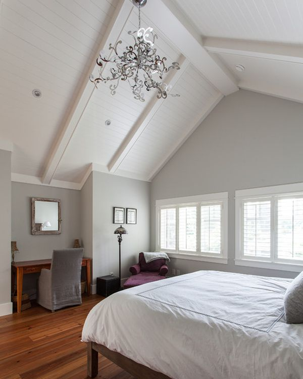 bedroom-with-vaulted-ceiling