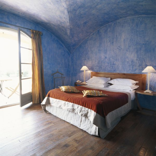 blue-sponge-walls-for-bedroom
