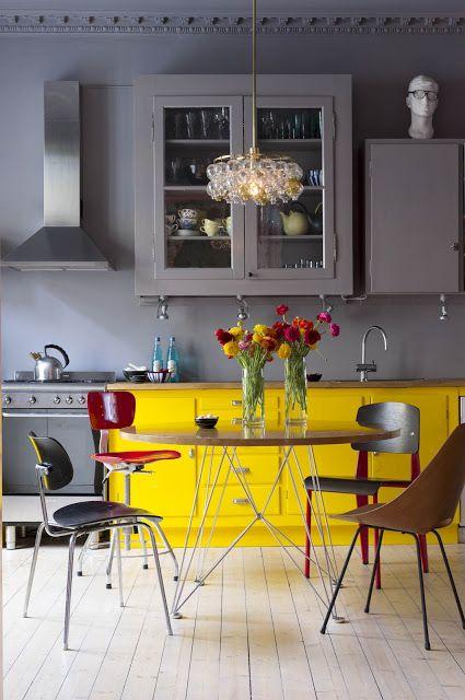 Keuken Kleur Muur : Yellow Grey Kitchen Cabinets