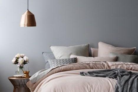 grijze slaapkamer  interieur insider, Meubels Ideeën