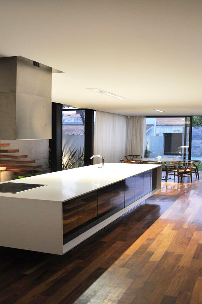 Modern interieur kleuren interieur insider Sleek homes that are unapologetically modern