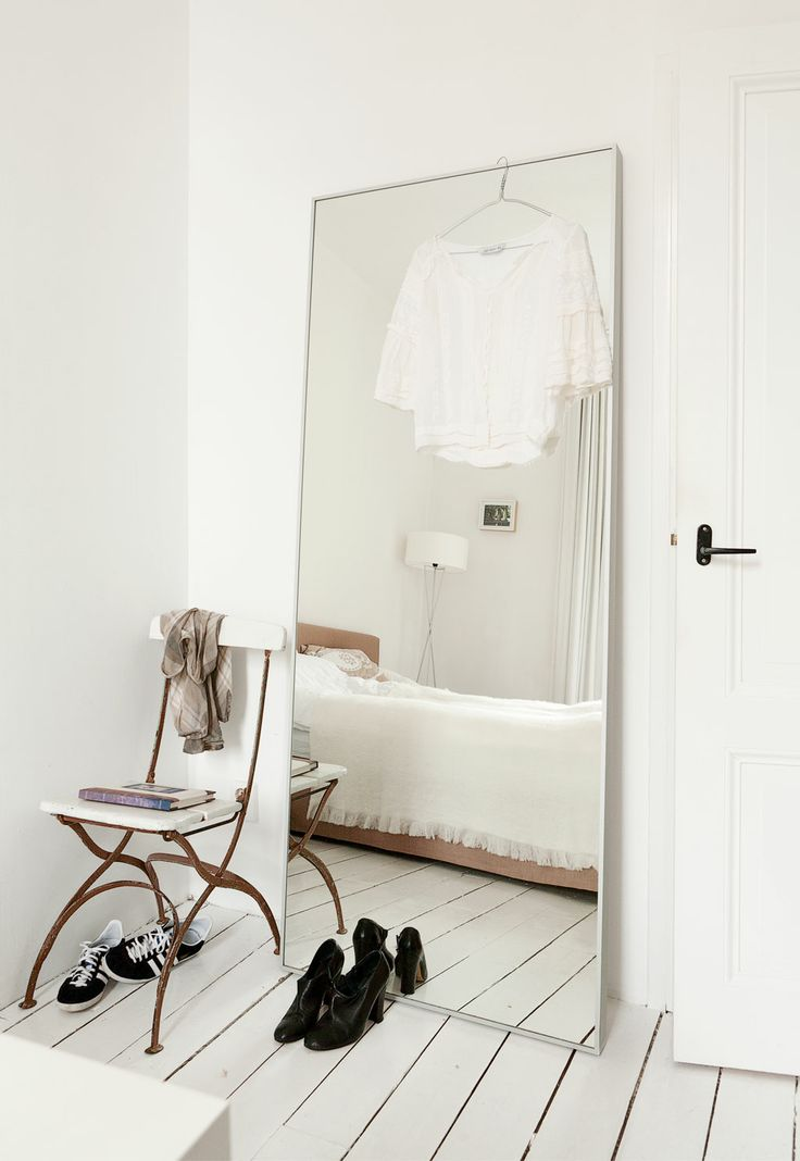 Grote spiegel slaapkamer