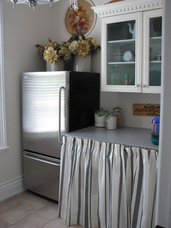 traditional-laundry-room-curtain1