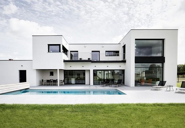 Villa by Atelier Form in Mérignies
