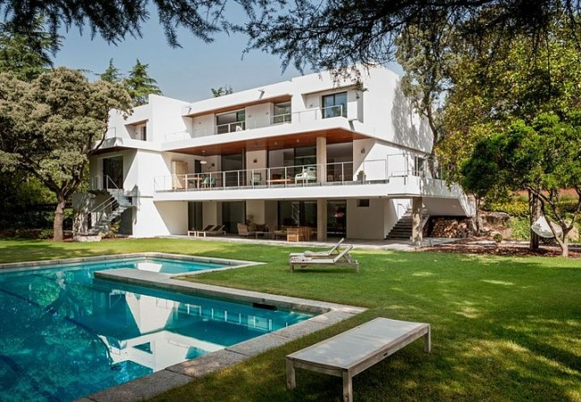 La Moraleja by Ábaton Arquitectura