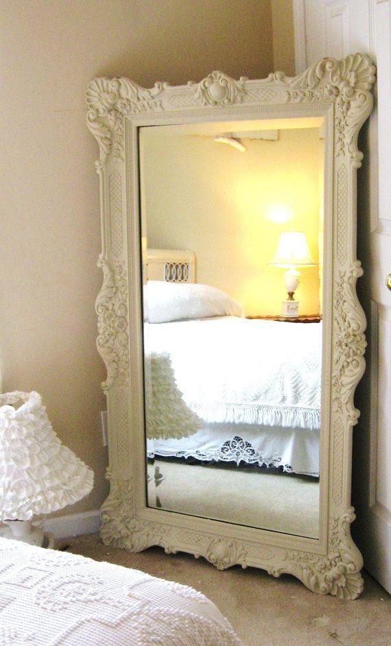 Spiegel in slaapkamer — InteriorInsider.nl