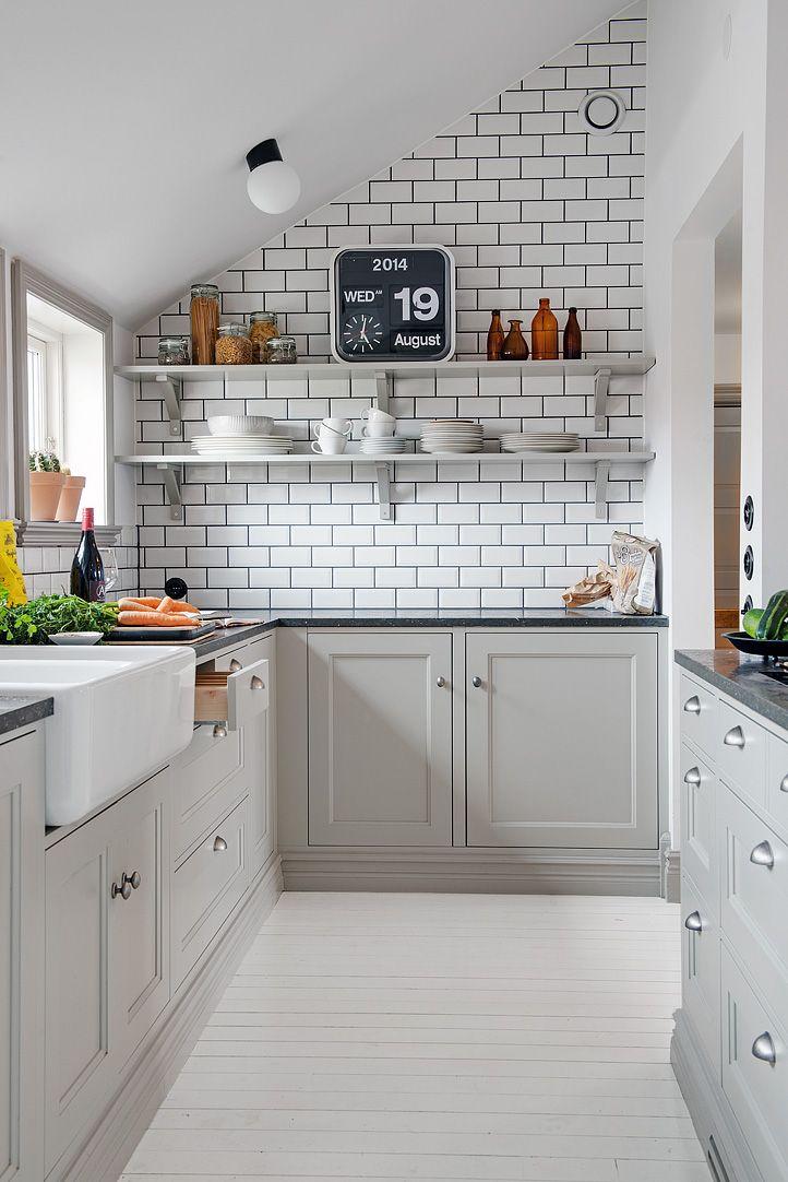 Grijze keuken for Simpele keuken
