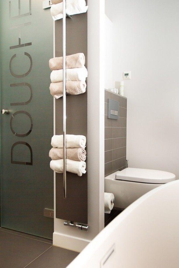Handdoeken opbergen opvouwen oprollen of wegstoppen - Verf wc ...