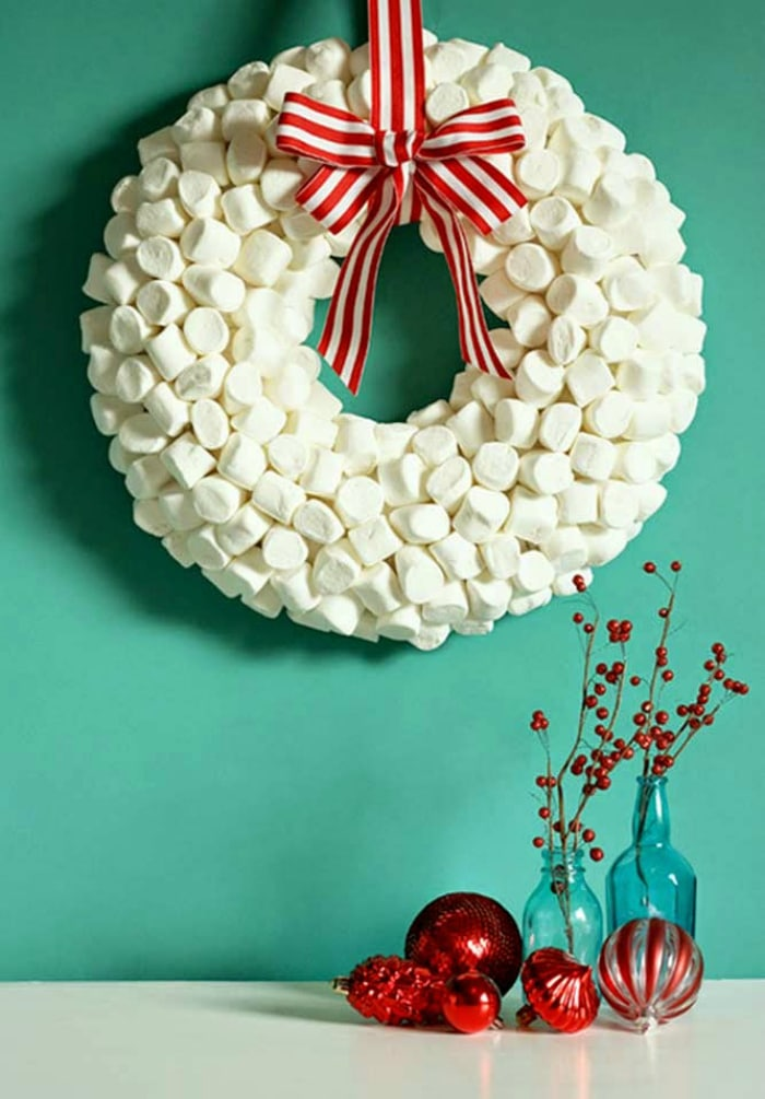 marshmallow-wreath