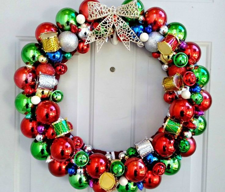 ornaments-wreath