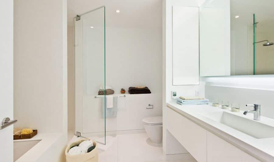 Witte badkamer interieur insider - Witte badkamer ...