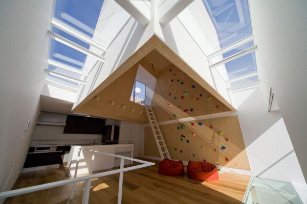 climbing-wall-house