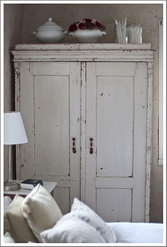 Woonkamerkast wit interieur meubilair idee n - Oude meubilair dressoir ...