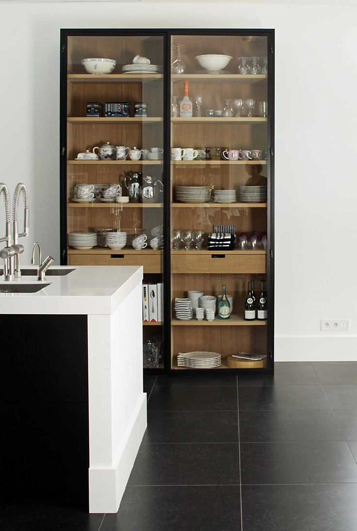Keuken Inrichten Spelletjes : Modern Glass Kitchen Cabinets