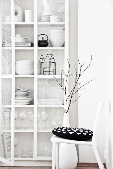 Keuken Inrichten Spelletjes : Voorbeelden servieskast – Interieur Insider