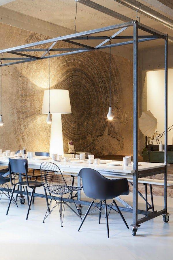 Tafel met verschillende stoelen - Deco lounge open keuken ...