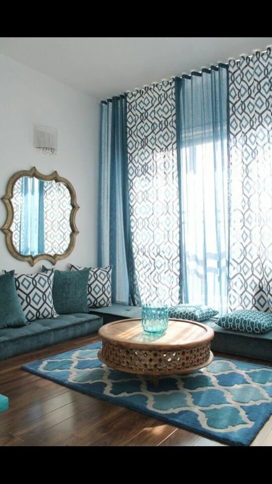Gekleurde gordijnen interieur insider for Arabian inspired living room