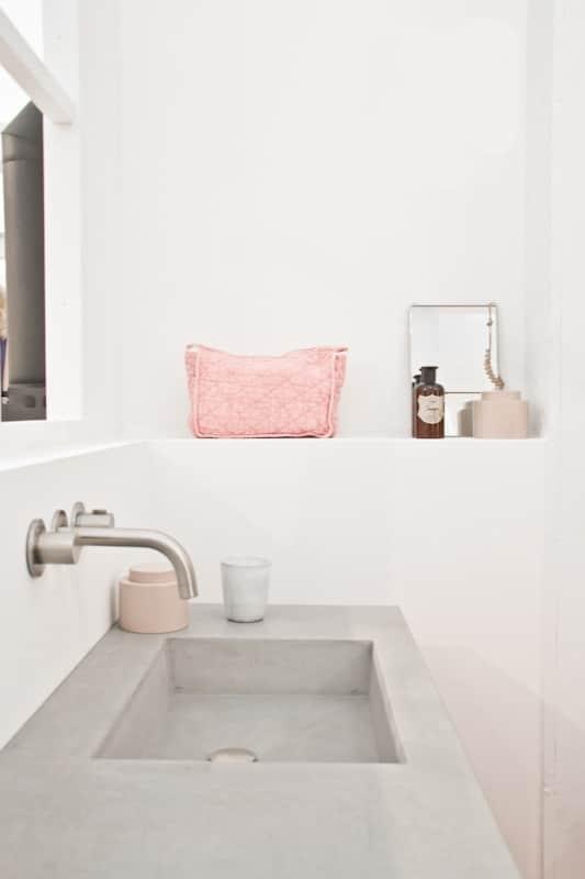 Roze badkamer — InteriorInsider.nl
