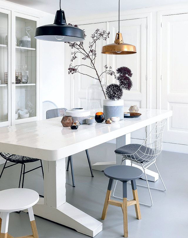 Combinatie tafel en stoelen