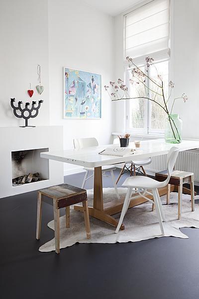 Koeienhuid vloerkleed interieur insider - Tapijt onder de eettafel ...
