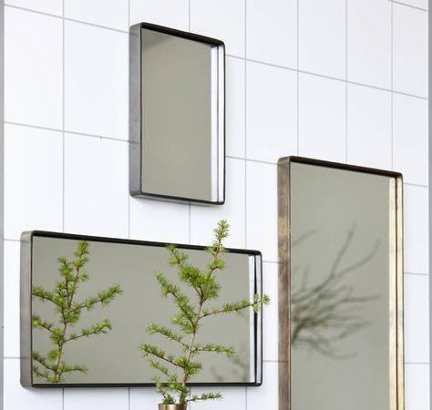 Spiegel in de badkamer