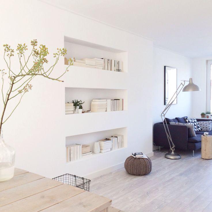 Ingebouwde boekenkasten interieur insider - Muur niche ...